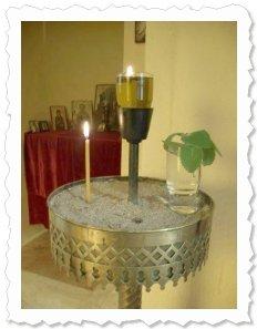 Im Namen von Oblina am 2. April '10 in Sithonia / Griechenland. Sie hat ihre vorläufige Bleibe in einer kleinen Kapelle.